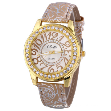 Rhinestone Quartz Watch for Modern Women