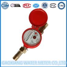 Ein Strahl Warmwasser Durchflussmesser mit trockenem Zifferblatt