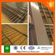 Portão de ferro novo do projeto, projeto da porta da tubulação do ferro