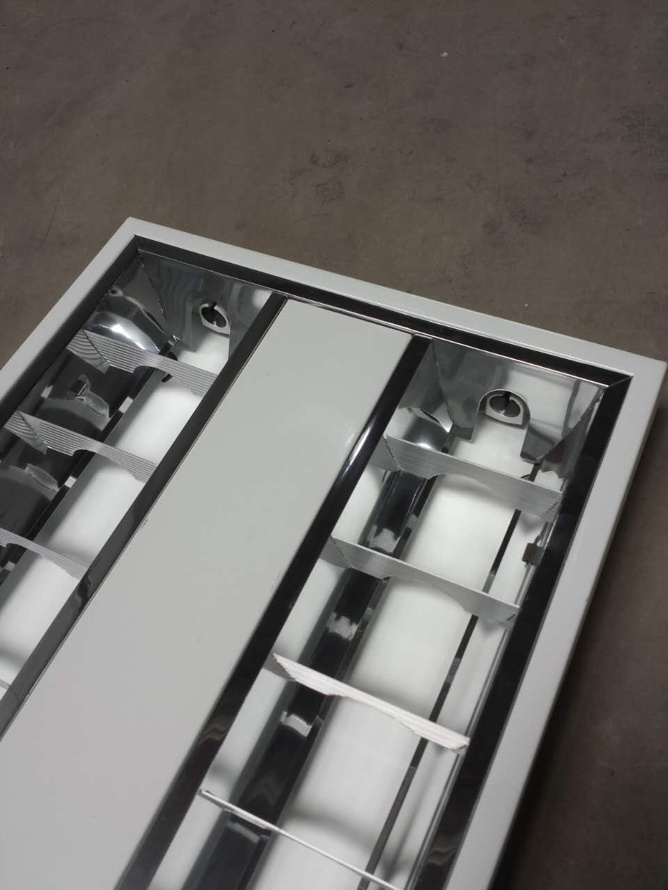 louver lighting fixtures