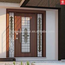 Diseño de puerta principal de madera maciza de teca