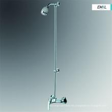 El grifo del grifo de la ducha de lluvia del cuarto de baño fija la cabeza del mezclador