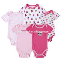 Modernes rosa Rot druckte Babybabyspielanzug der biologischen Baumwolle / Großhandelspreis-kundenspezifischer Babyspielanzug / preiswerte Preisbabyoveralls