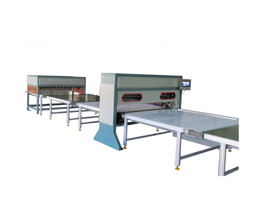 Special packing conveyor for packing mattress