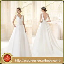 VIL-09 Sexy Deep V-neck Ball Gown Court Train Lace Appliques Backless Wedding Dresses with Pockets