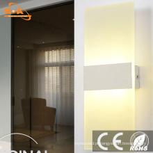 Lâmpada de parede moderna do diodo emissor de luz do hotel interno do quarto da amostra grátis