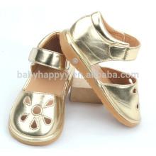 Los niños de los niños embroma los zapatos de oro infantiles frescos del zapato de bebé de la PU