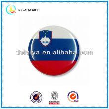 The Slovenia flag tin badges