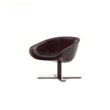 Italian 4-Spoke Base Mart Swivel Armchair