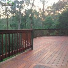 De color castaño apenado resistente a las grietas merbau hardwood cubiertas de jardín