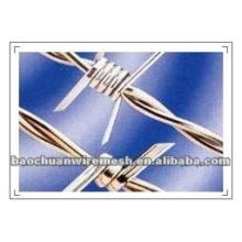 BWG12 * 14 cerca de alambre de púas con alta calidad y precio competitivo