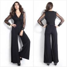 Die schwarzen langen Hosen der sexy Frauen und der lange Maschen-Ärmel-Overall