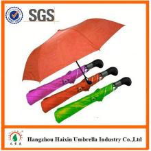 Günstigen Preisen!! Fabrik Versorgung intelligente Größe 2 Falte Regenschirm mit krummen behandeln