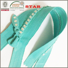 Close End No. 5 Crystal Zippers for Distinct Garments