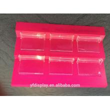 Rote Acrylkosmetik-Präsentationsständer