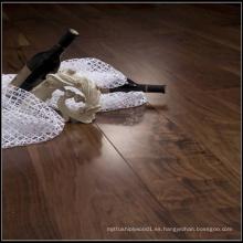 Suelo de madera sólida de la nuez negra americana