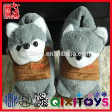 Zapatillas de animales de felpa rellenas de la fábrica de Yangzhou en forma de animales juguetes adultos zapatilla