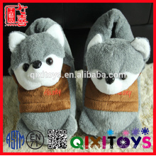 Yangzhou factory stuffed plush animals slippers in the shape of animals adult slipper toys