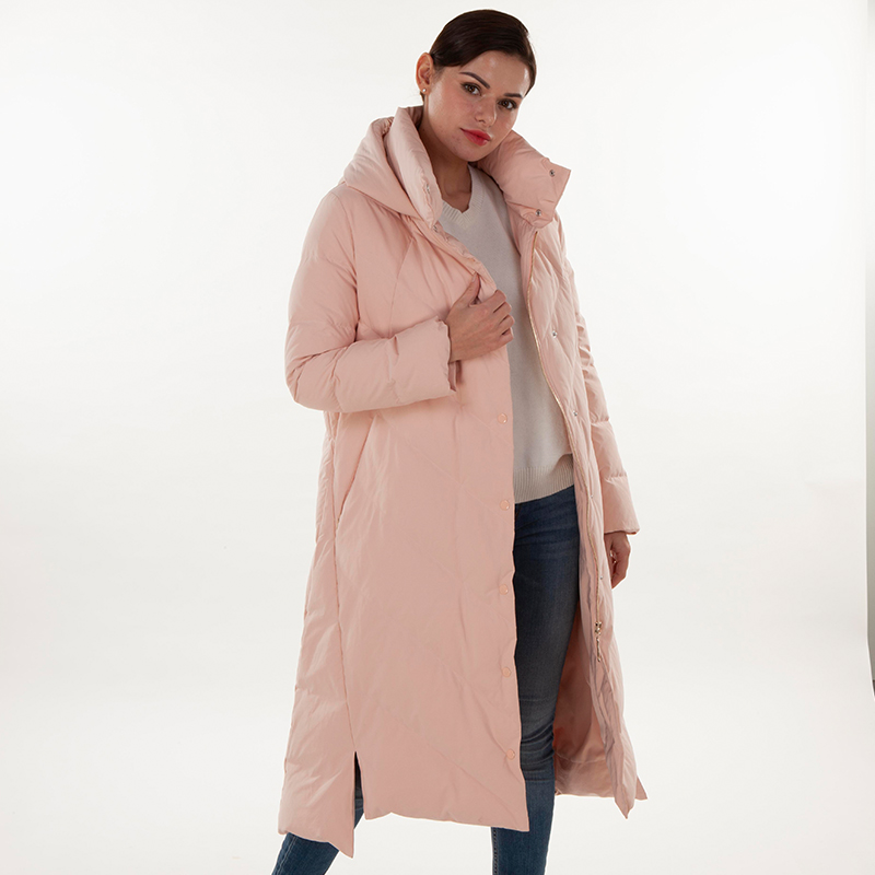 Fashionable pink down jacket