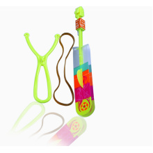 Leuchtende fliegende Pfeil Plastikspielzeug mit Pfiff