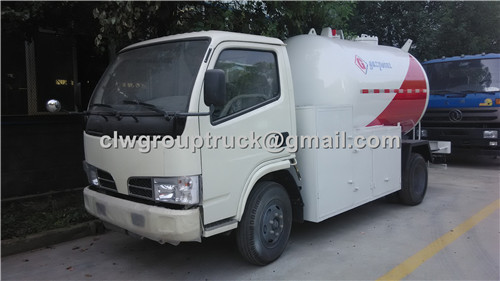 Mini LPG Gas filling truck 5000L