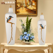 Modern bird pattern ceramic white color vase with cover for home decoration