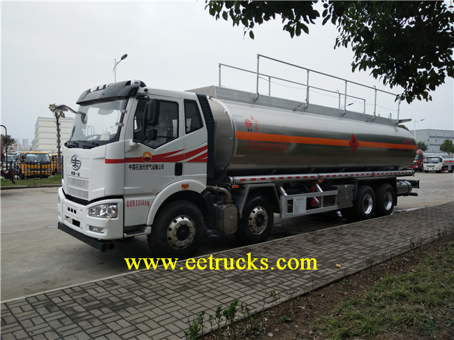 12 Wheeler Oil Refueling Trucks