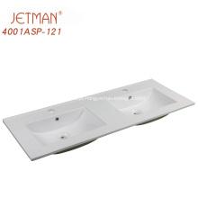 Lavatório duplo de banheiro em porcelana branca