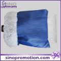 Grattoir à glace en plastique avec gant