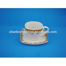 Чайные чашки и блюдца из фарфорового фарфора