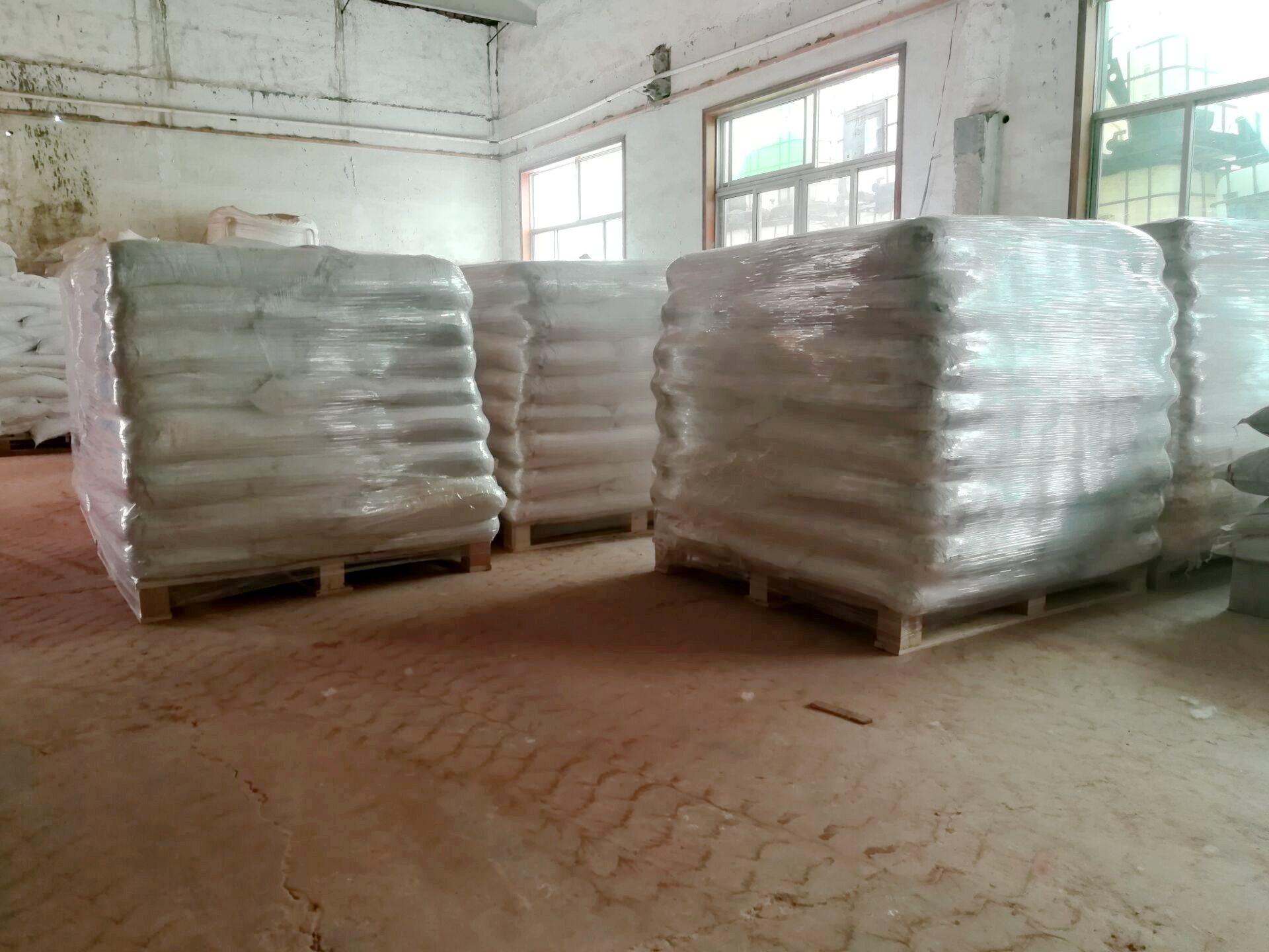 High purity zinc phosphate