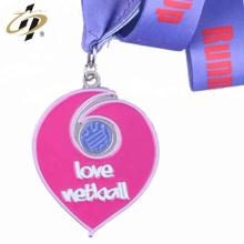 Concevez vos propres médailles en forme de cœur en émail métallique sur mesure