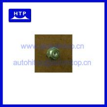 Горячая продажа деталей дизельного двигателя форсунка для Deutz 912 02239584