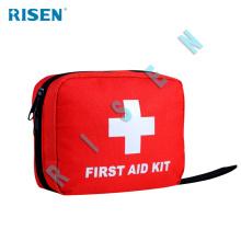 trousse de premiers soins avec fournitures médicales pour le voyage