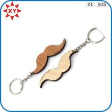 Porte-clés sur mesure en bois à la moustache