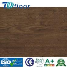 Plancher de vinyle de haute qualité de surface en bois rustique