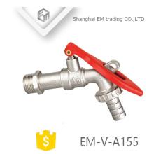 EM-V-A155 Grifo con llave de latón, de cuerpo largo, con llave de latón para jardín