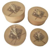 Handgemachte Kosmetikbox mit Schmetterlingsknoten