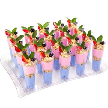 Vidrio de cóctel alto con bandejas de servir