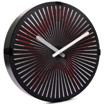 Reloj de pared con estrella en movimiento