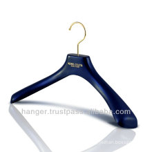 Japanese Durable Plastic Luxury Suits Hanger for Hotel Equipment