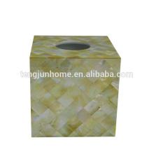 Coquillage en perles coquillages en coquillage carré en or carré boîte en tissu doré