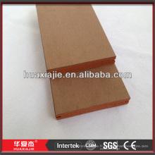 Plate-forme composite en plastique en bois avec technologie de co-extrusion