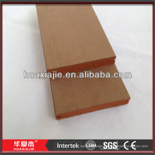 wood plastic composite decking with co-extrusion technology