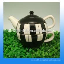 Bule de cerâmica criativa e copo em um com estilo elegante