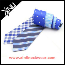 Cuatro diseños dobles hombres flacos corbatas