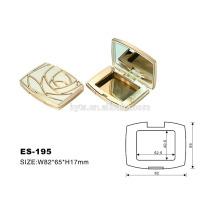 caja de plástico compacto de color dorado de forma cuadrada