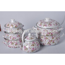 enamel casserole with metal lid and fashional design