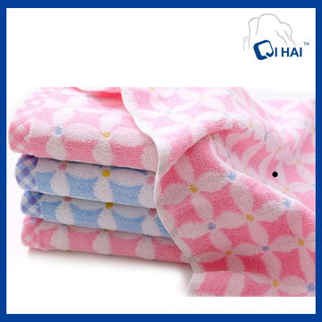 100% Cotton Yarn Dyed Flower Jacquard Face Towel