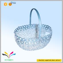 Nuevo diseño de accesorios de cocina cesta de picnic al por mayor en relieve decoración de malla de alambre cesta de frutas